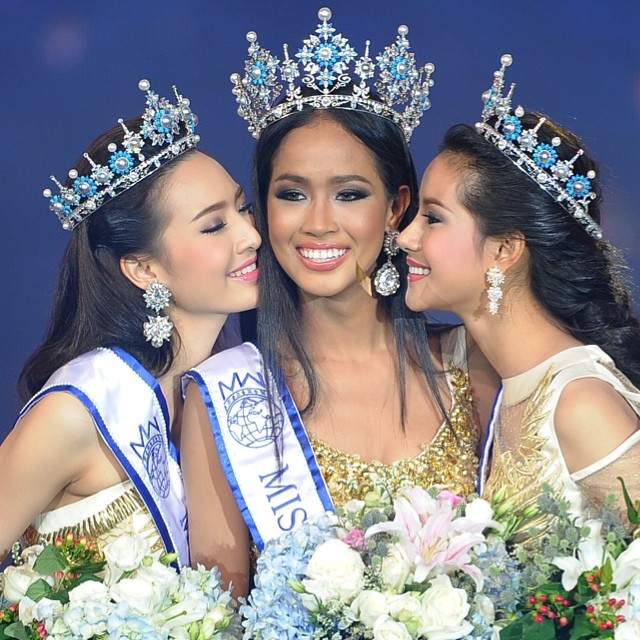 Maeya Nonthawan Thongleng, center, is the new Miss Thailand World. Photo from ikonos_tuu