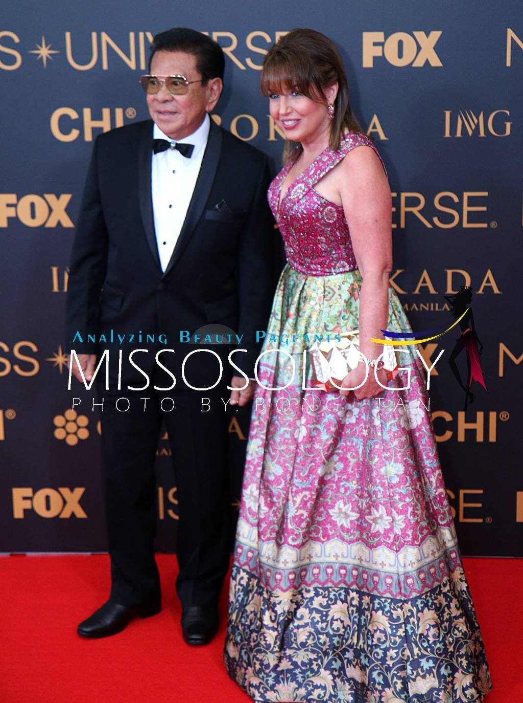Former Ilocos Sur governor Chavit Singson with Miss Universe Organization president Paula Shugart during the 65th Miss Universe red carpet