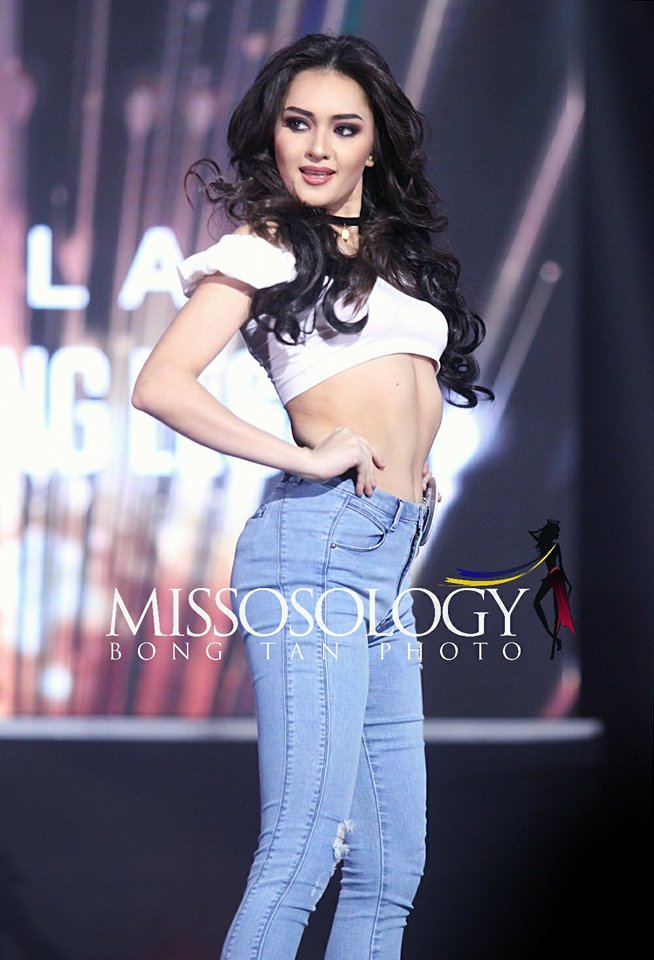 Binibini 17 Ma Ahtisa Manalo during the Bb Pilipinas 2018 fashion show. (Photo by Bong Tan)