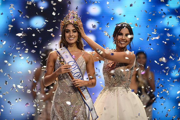 Valeria Morales was crowned by Laura Gonzalez, Miss Colombia 2017