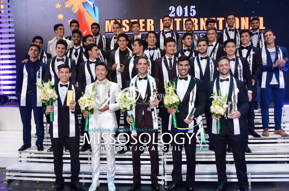 The contestants pose for a group photo during the finals of the Mister International 2015 held November 30, 2015 in Manila, Philippines. (Photo by Joy Arguil)