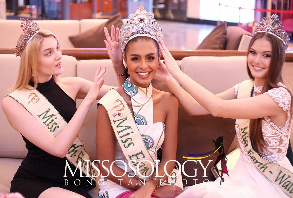 Miss Earth 2019 Nellys Pimentel and her elemental court pose for photos during their exclusive interview with Missosology in November 2019. (Photo by Bong Tan)